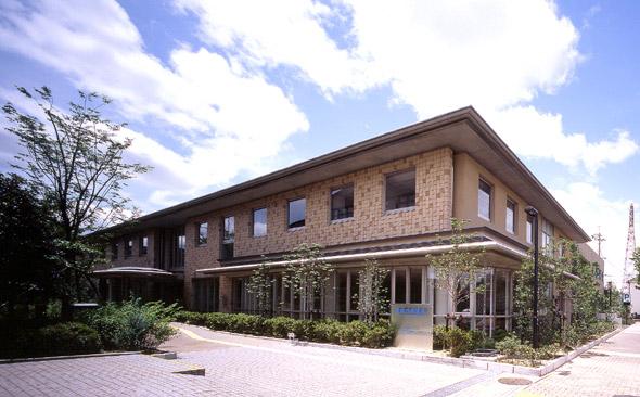 高槻市保健所 福祉施設 高槻市保健所 徳岡設計 徳岡設計 美しく時を刻み、風景と調和する建築 採